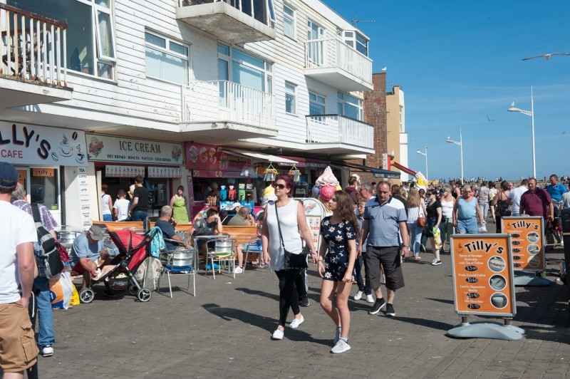 Town traders enjoy another busy week as tourist flock to the sunny Bridlingon.